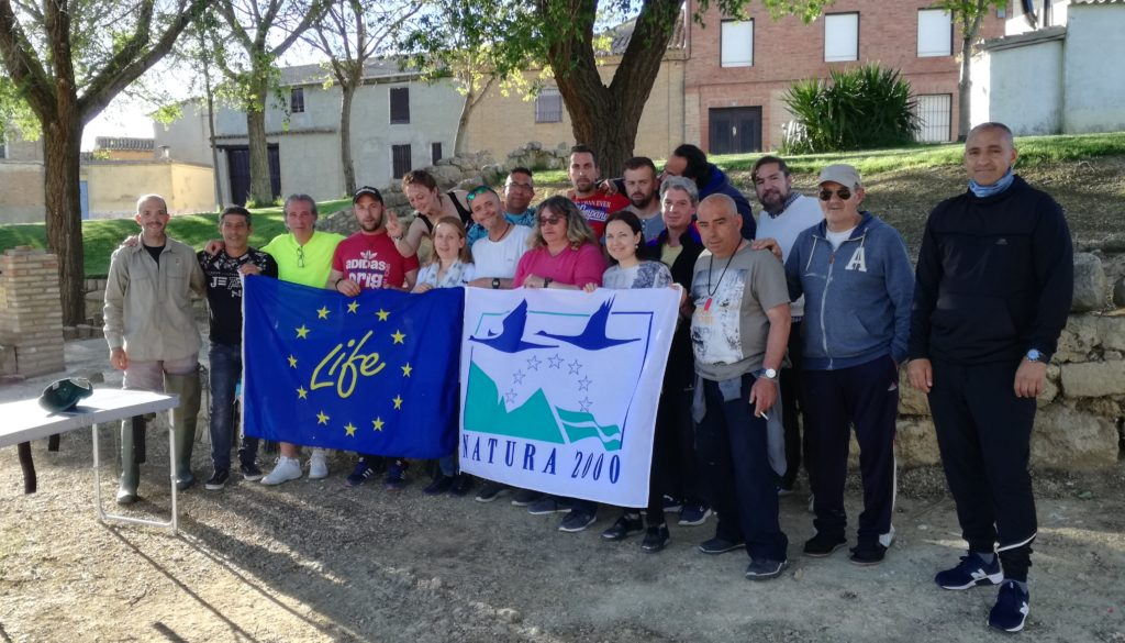 Momento de la jornada de la celebración del taller de anillamiento en Baquerín de Campos, Palencia.