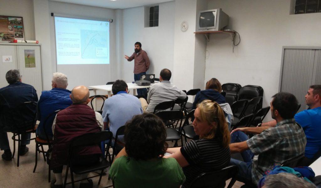 Momento de la charla en la sede de ACENVA en Valladolid.