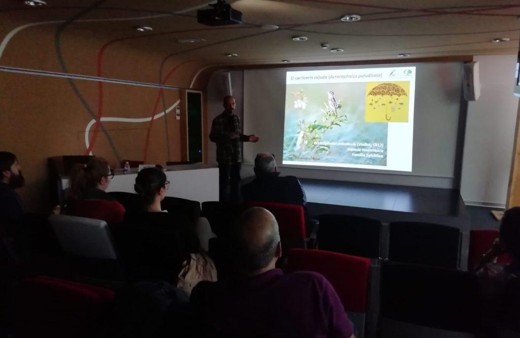 Momento de una de las charlas en el Aula de Medio Ambiente de la Fundación Caja Burgos en Palencia.