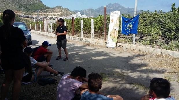 Primera charla a jóvenes participantes del voluntariado ambiental organizado por el Ayuntamiento de Xerexa.